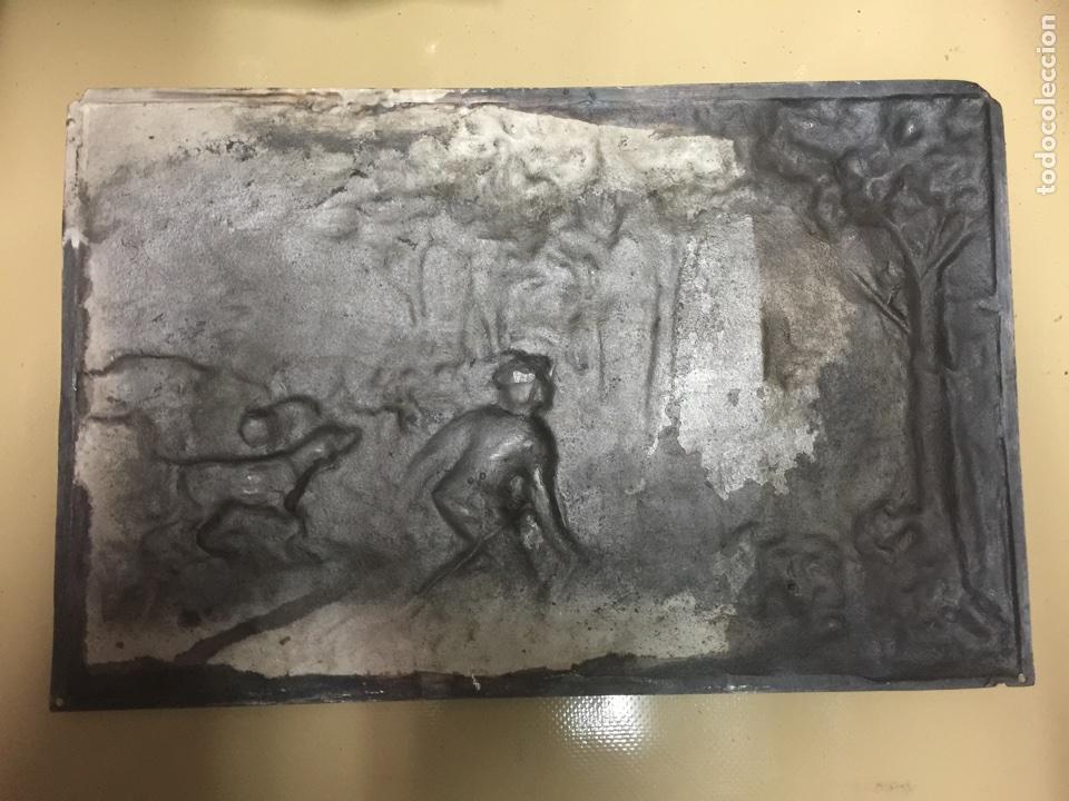 PLANCHA DE PLATA. REPUJADA. (Antigüedades - Plateria - Varios)