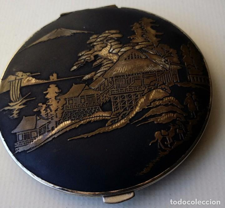 POLVERA DAMASQUINADO Y PUBLICIDAD DE CERVEZA CARTA BLANCA JAPON (Antigüedades - Moda y Complementos - Mujer)