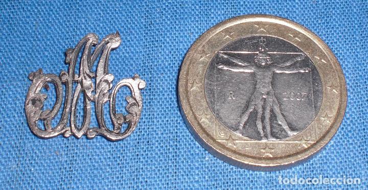 ANTIGUAS INICIALES MA PLATA TALLADA PARA COSER (Antigüedades - Platería - Plata de Ley Antigua)