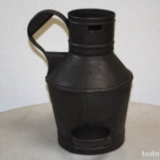 Antigüedades: JARRA MEDIDOR DE METAL. ALTURA MÁXIMA: 36.5 CMS. BASE: 19 CMS. DE DIÁMETRO. BOCA: 12 CMS.. Lote 63009572