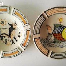 Antigüedades: LOTE DE 2 PLATOS DE TALAVERA CON PEZ Y VACA, PINTADOS A MANO, FIRMADO, CHACÓN. AÑOS 70. Lote 63096012