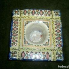 Antigüedades - Antiguo tintero en ceramica de triana, medidas, 13x13 cm alto 5 cm. - 63178180