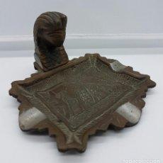 Antigüedades: CENICERO ANTIGUO DE BRONCE INSPIRADO EN EGIPTO CON BUSTO DE TUTANKAMÓN .. Lote 63247712