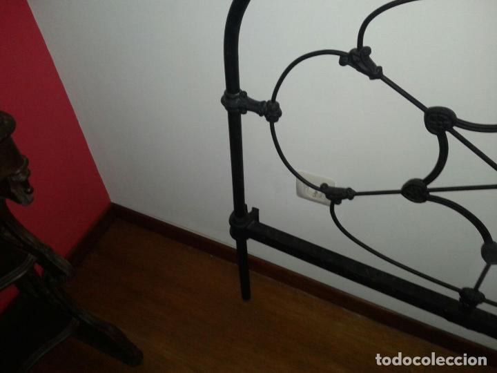 Antigüedades: cabezal cama de hierro - Foto 7 - 63289888