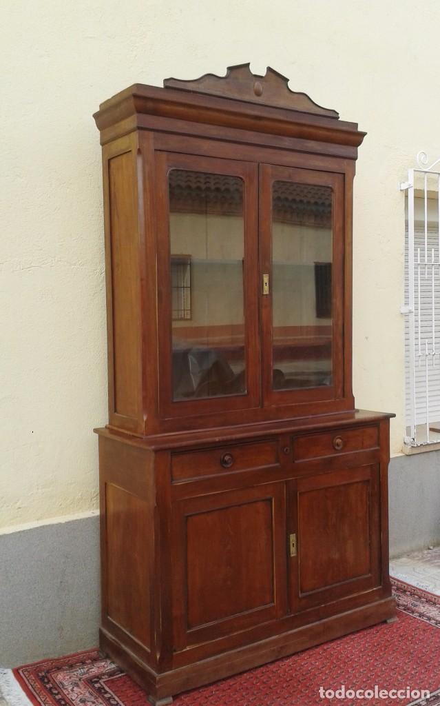 Antigüedades: Vitrina antigua estilo isabelino. Mueble librero antiguo Vitrina librería estentería alacena antigua - Foto 3 - 194156217