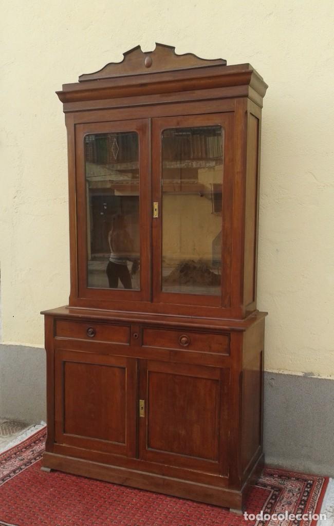Antigüedades: Vitrina antigua estilo isabelino. Mueble librero antiguo Vitrina librería estentería alacena antigua - Foto 5 - 194156217