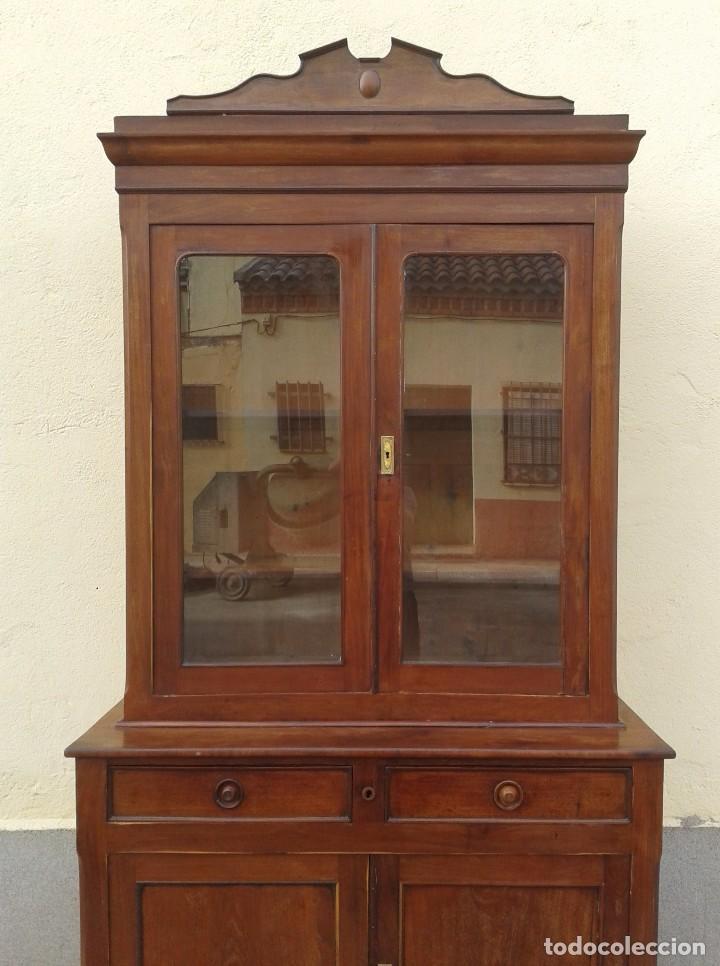 Antigüedades: Vitrina antigua estilo isabelino. Mueble librero antiguo Vitrina librería estentería alacena antigua - Foto 8 - 194156217
