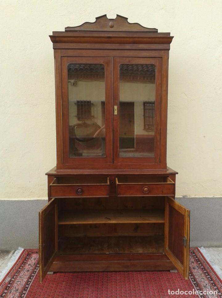 Antigüedades: Vitrina antigua estilo isabelino. Mueble librero antiguo Vitrina librería estentería alacena antigua - Foto 12 - 194156217