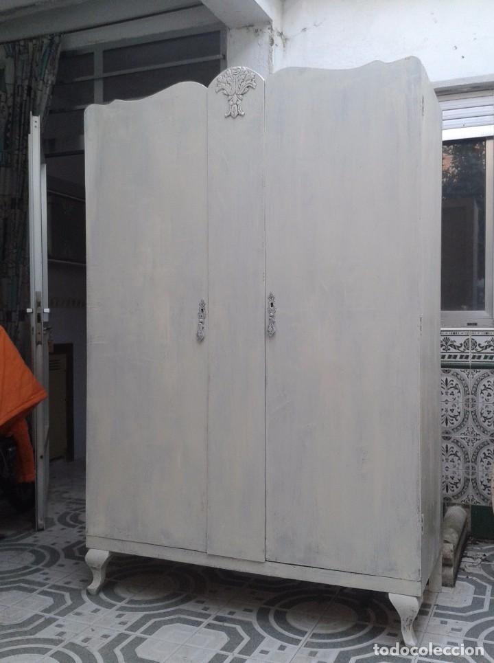 Tiendas De Muebles Segunda Mano : Armario antiguo retro vintage ropero co comprar