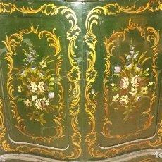 Antigüedades: MUEBLE ENTREDÓS EN MADERA TALLADA Y PINTADA A MANO SIGLO XIX-XX. Lote 63394576