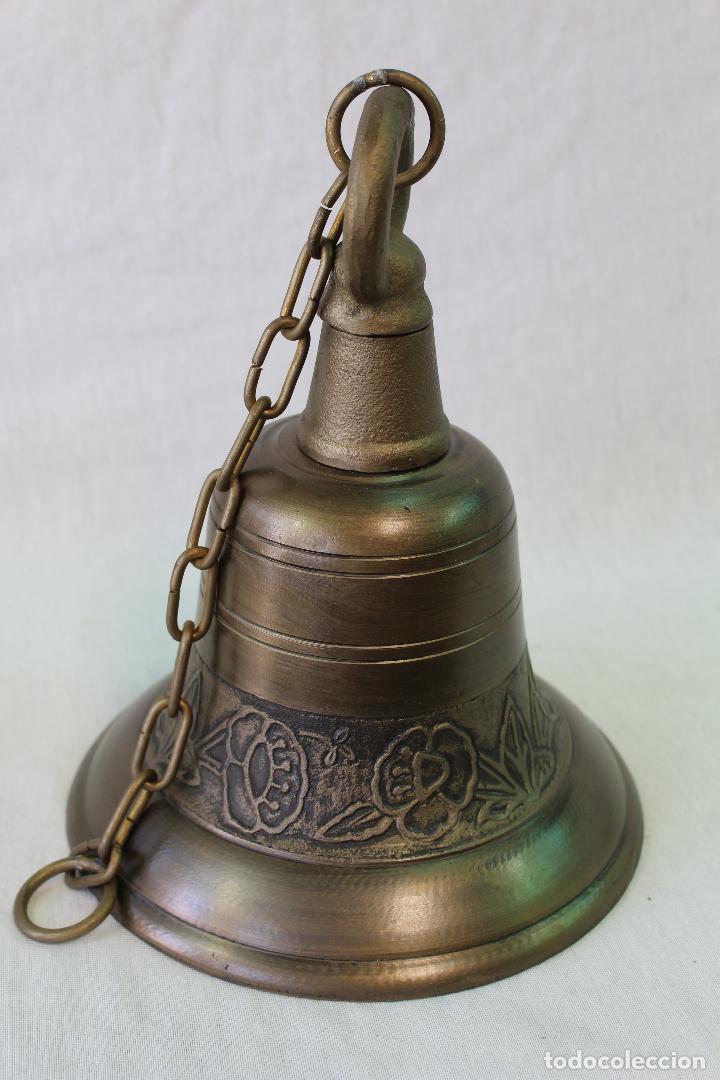 Antigüedades: campana en hierro fundido y color dorado envejecido - Foto 3 - 161822736