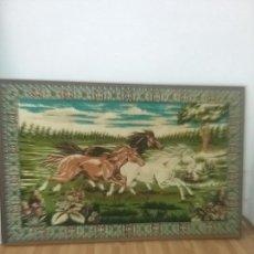 Antigüedades: TAPIZ CABALLOS. Lote 63521008