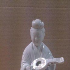 Antigüedades: FIGURA DE PORCELANA BLANCA - CHINA. Lote 63580896
