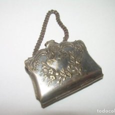 Antigüedades: ANTIGUA BOLSITO..PARECE PLATA... CON MICROFOTOGRAFIAS DE BOURG MADAME.. Lote 63770555