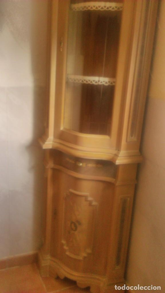 Antigüedades: Preciosa vitrina rinconera con marquetería,cristal curvo,madera noble.inglesa. - Foto 3 - 63964111