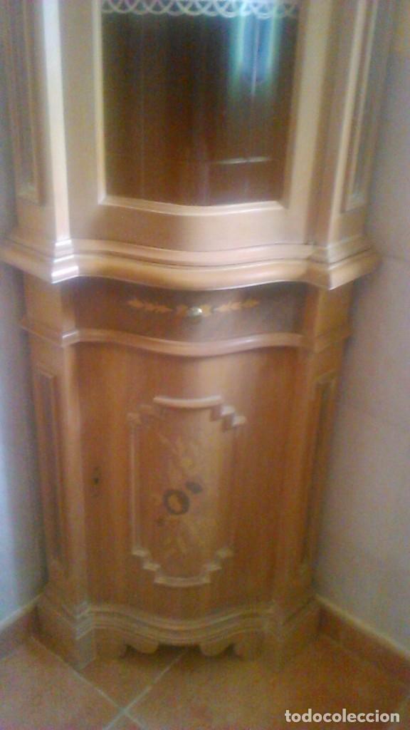 Antigüedades: Preciosa vitrina rinconera con marquetería,cristal curvo,madera noble.inglesa. - Foto 5 - 63964111