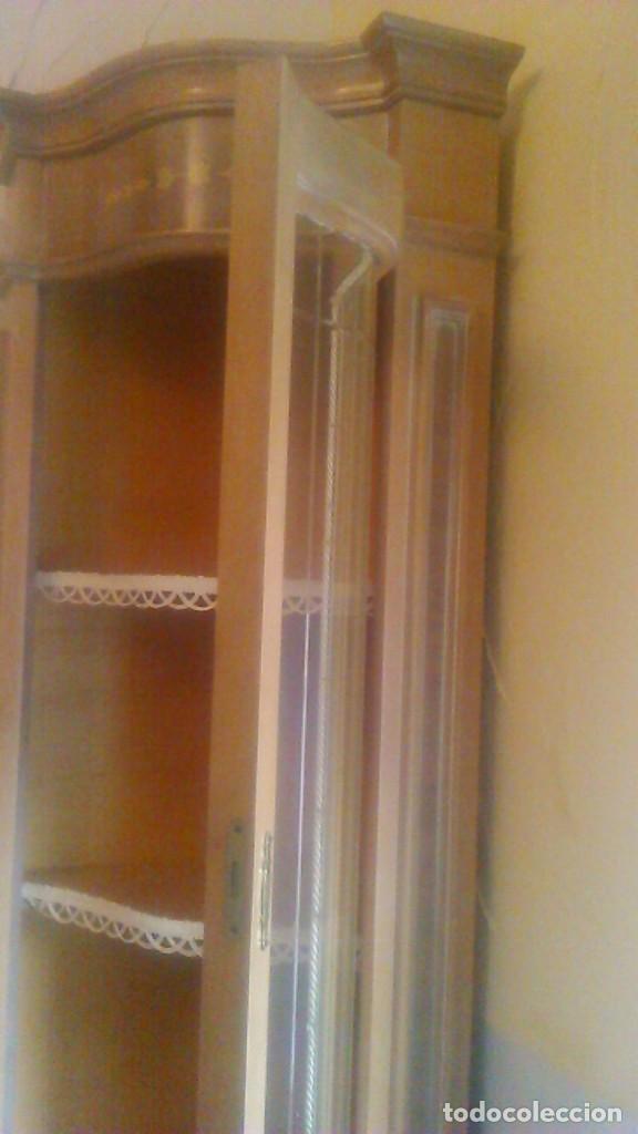 Antigüedades: Preciosa vitrina rinconera con marquetería,cristal curvo,madera noble.inglesa. - Foto 9 - 63964111