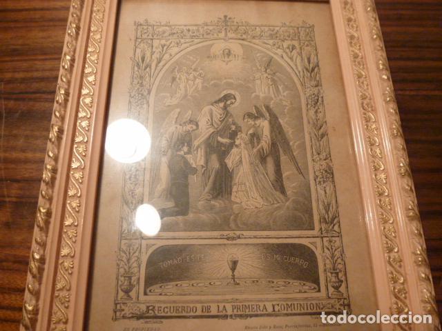 Antigüedades: marco de madera con recuerdo primera comunion 1908 - Foto 5 - 63997047