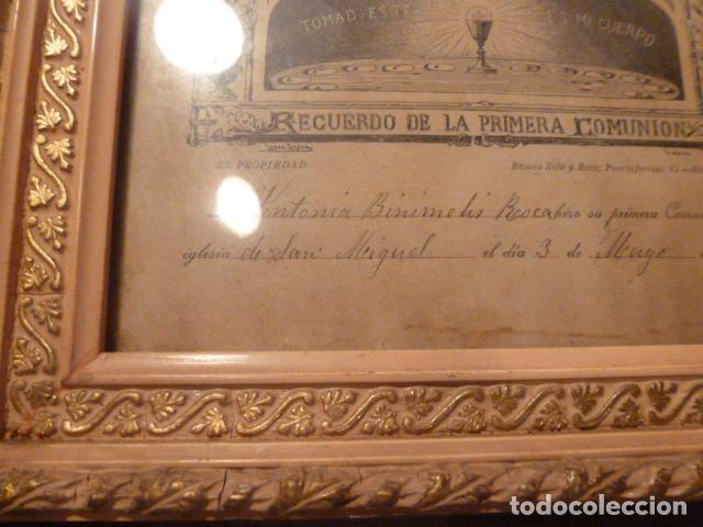 Antigüedades: marco de madera con recuerdo primera comunion 1908 - Foto 7 - 63997047