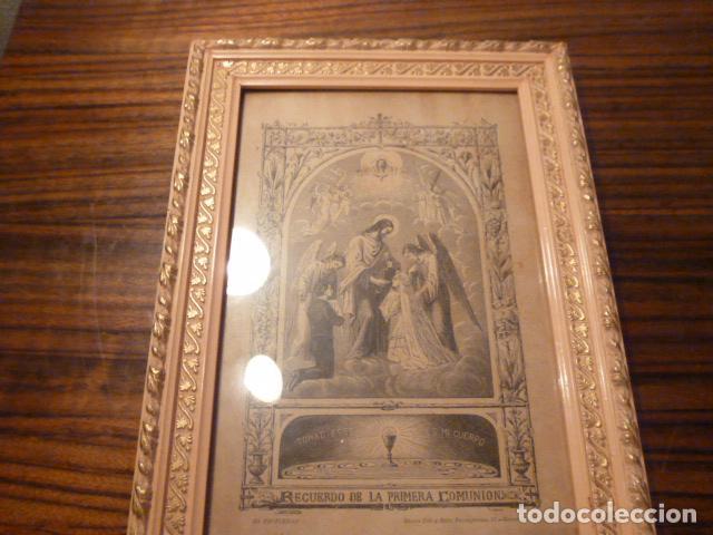 Antigüedades: marco de madera con recuerdo primera comunion 1908 - Foto 9 - 63997047