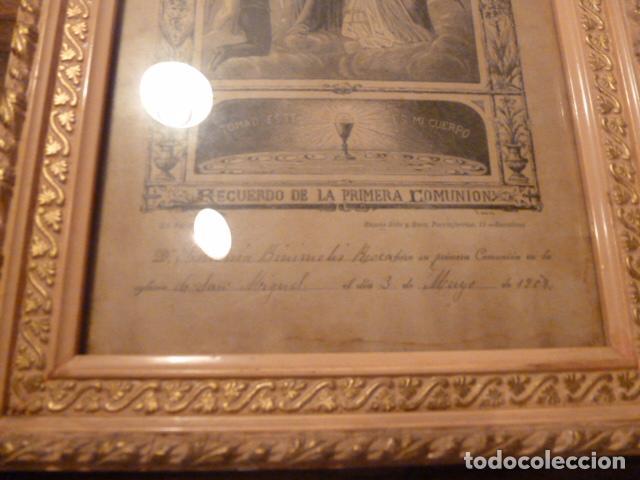 Antigüedades: marco de madera con recuerdo primera comunion 1908 - Foto 10 - 63997047
