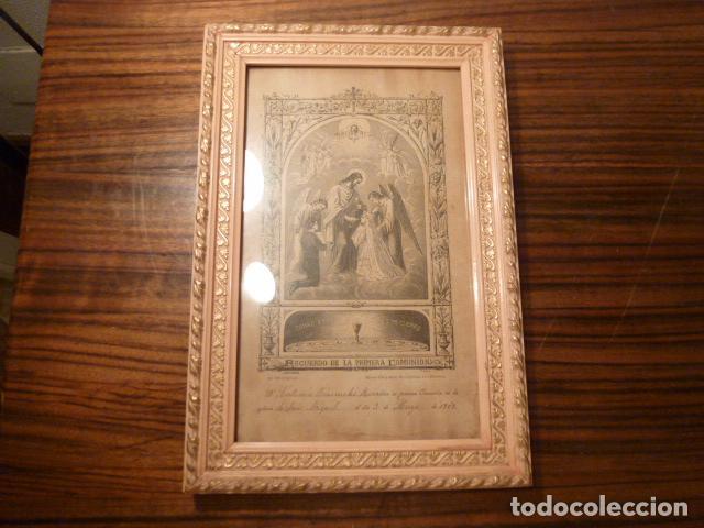 Antigüedades: marco de madera con recuerdo primera comunion 1908 - Foto 11 - 63997047