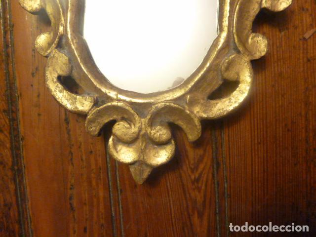 Antigüedades: pareja de espejos dorados de madera y oro - Foto 6 - 64028495