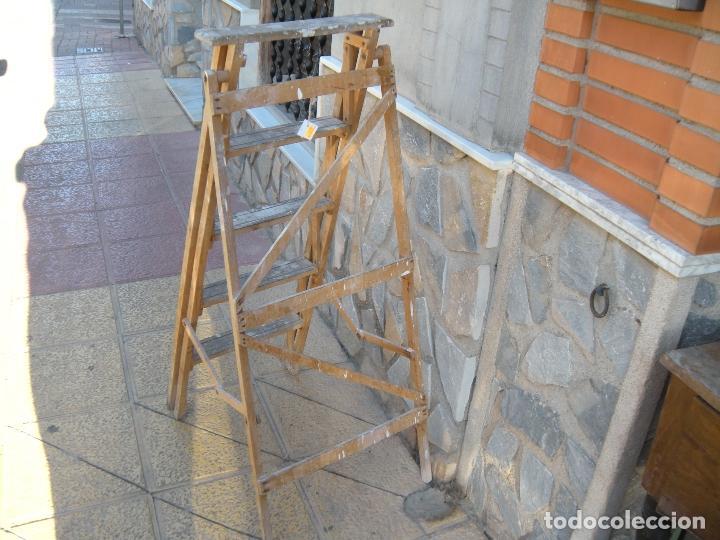 ANTIGUA ESCALERA DE MADERA (Antigüedades - Técnicas - Rústicas - Utensilios del Hogar)