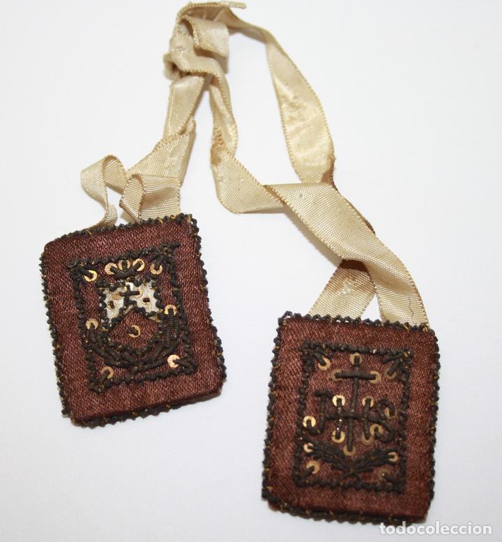 ESCAPULARIO DE NUESTRA SEÑORA DEL CARMEN - BORDADO CON HILOS ENTORCHADOS DE ORO - S. XIX (Antigüedades - Religiosas - Escapularios Antiguos)