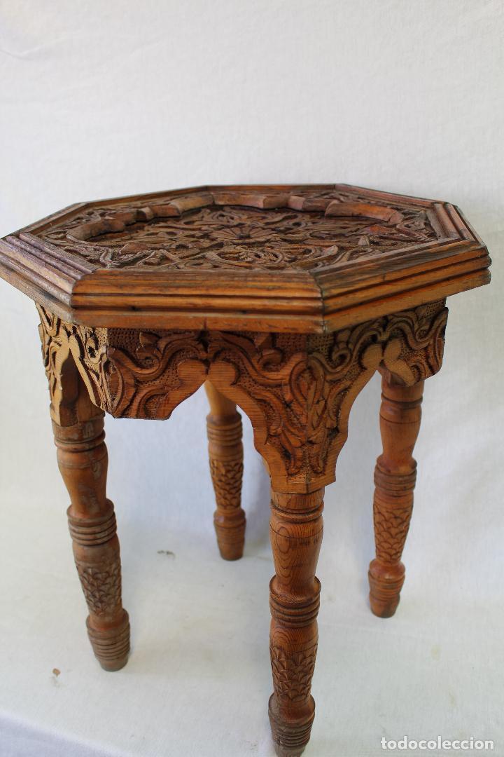 Mesa de te arabe en madera tallada comprar mesas for Mesas antiguas