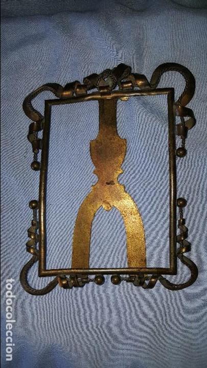 PORTAFOTO METAL (Antigüedades - Hogar y Decoración - Portafotos Antiguos)
