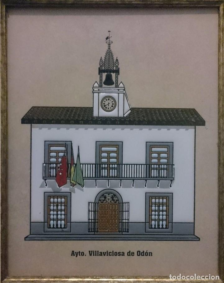 Antigüedades: AZULEJO ESMALTADO Y ENMARCADO DEL AYUNTAMIENTO DE VILLAVICIOSA DE ODÓN. - Foto 2 - 105809890
