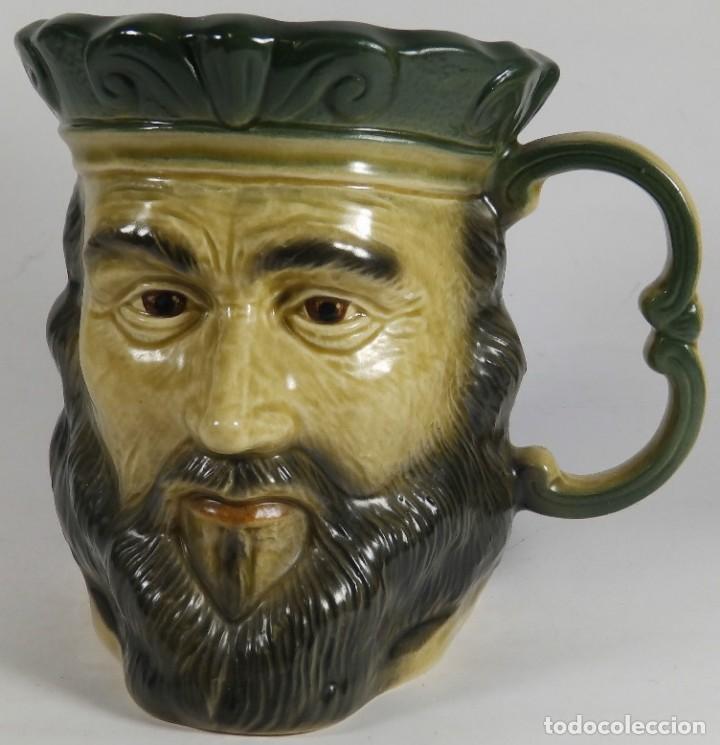ANTIGUA JARRA EN PORCELANA INGLESA CON EL BUSTO CARA ROSTRO DEL REY HENRY I HECHA Y PINTADA A MANO (Antigüedades - Porcelanas y Cerámicas - Inglesa, Bristol y Otros)