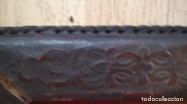 Antigüedades: porta fotos marco antiguo en piel repujada - Foto 4 - 64303779