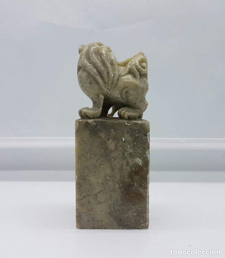 Antigüedades: Sello antiguo chino con perros fu en jade tallado a mano . - Foto 4 - 64322243