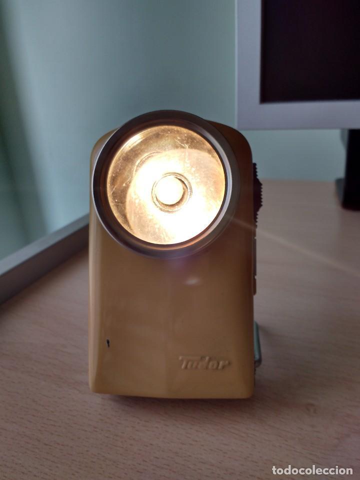 Antigüedades: linterna petaca tudor - Foto 2 - 64376179