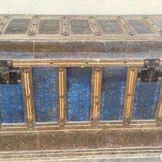 Antigüedades: ANTIGUO BAUL COFRE O ARCON AÑOS 1920. Lote 64383466