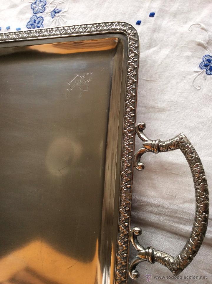 Antigüedades: BANDEJA DE FINALES DEL SIGLO XIX,Ppo XX en Alpaca Plateada ,con contrastes ,ideal decoración - Foto 4 - 64394807