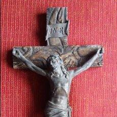 Antigüedades: CRUCIFIJO DE PARED EN BRONCE. Lote 64449119