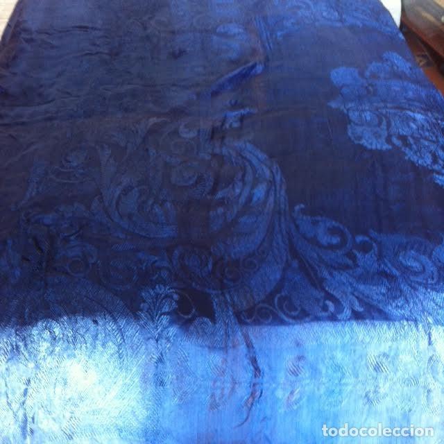 Antigüedades: Preciosa Antigua colcha adamascada principios siglo XX ideal decoracion - Foto 2 - 175875158