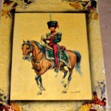 Antigüedades: CURIOSO CUADRO DOBLE CON CABALLEROS DE UNIFORMES MILITARES, VINTAGE. Lote 64488467