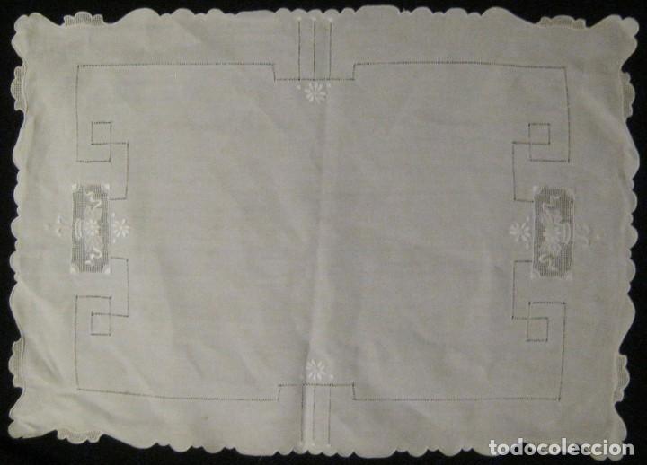 Antigüedades: ANTIGUO TAPETE CON FILTIRÉ, VAINICAS Y BORDADOS PPIO.S.XX - Foto 3 - 64511159