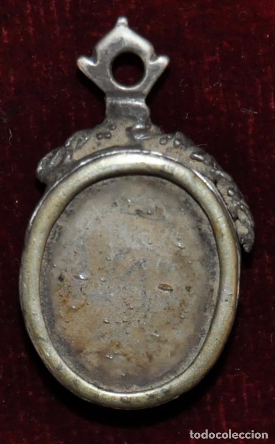 Antigüedades: RELIQUIA CON MARCO DE PLATA DE FINALES DEL SIGLO XVIII - Foto 2 - 64543035