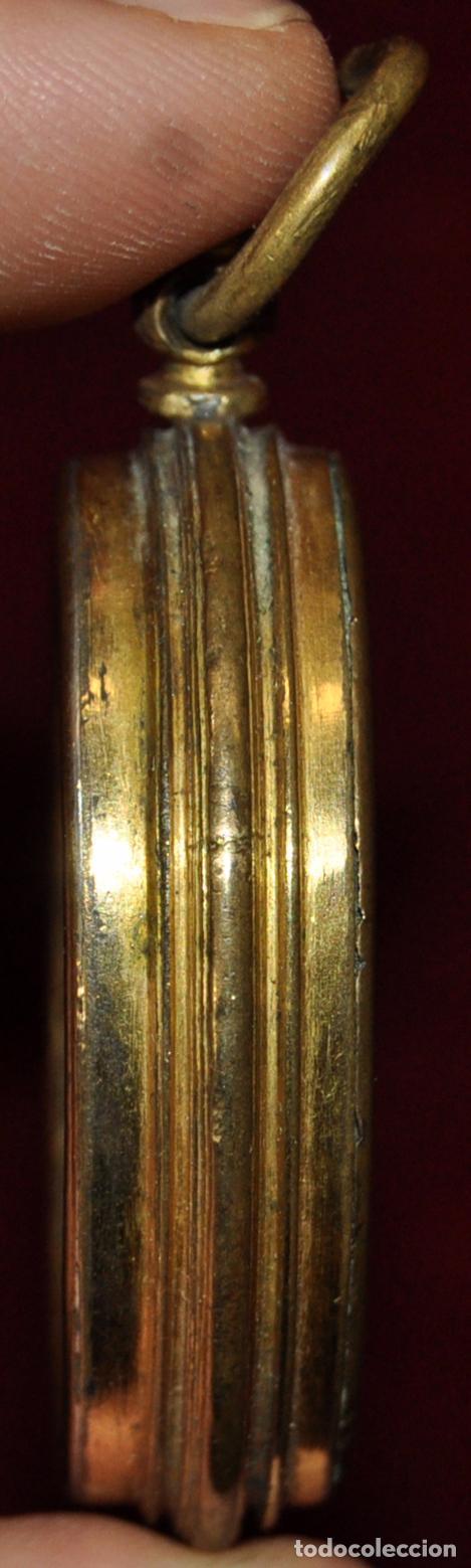 Antigüedades: GRAN RELICARIO EN METAL Y PLATA DORADA DEL SIGLO XVIII - Foto 3 - 64570111