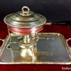 Antigüedades: FONDUE CON BANDEJA. ALPACA CHAPADA EN PLATA. ESPAÑA. CIRCA 1950.. Lote 111051983