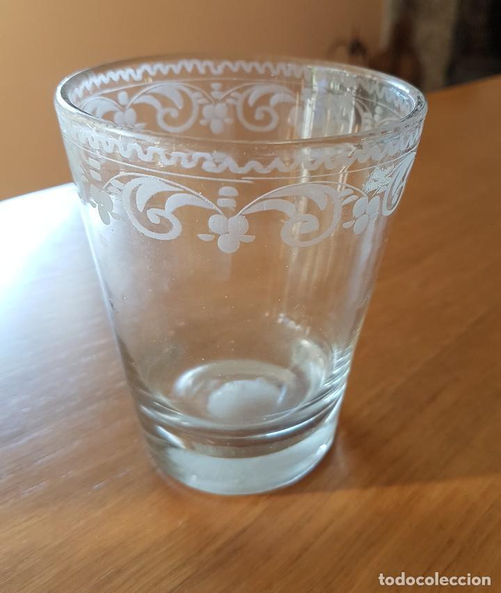 Antigüedades: Vaso de vidrio soplado de La Granja, s. XVIII. - Foto 4 - 64609739