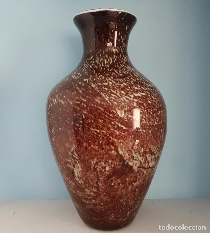 Antigüedades: Gran jarrón antiguo en cristal de murano tonos granate y blanco, epoca art deco . - Foto 4 - 64773487