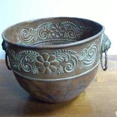Antigüedades: MACETERO COBRE. 17 CM ALTO. 22 CM. Ø. Lote 64786633