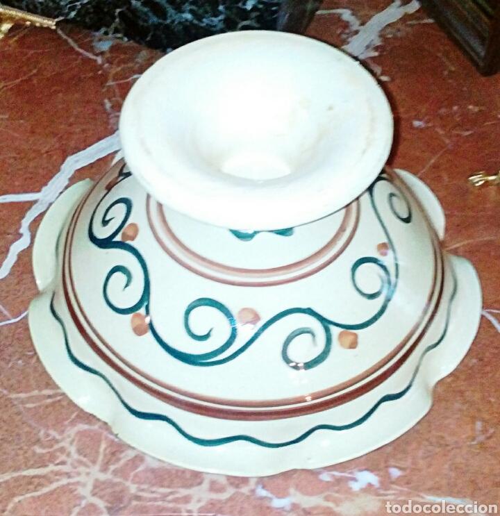 Antigüedades: Antiguo frutero, centro de ceramica de Manises. Ceramica esmaltada y pintada a mano. - Foto 4 - 64836626