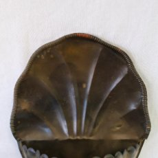Antigüedades: BENDITERA EN LATON. Lote 64903075